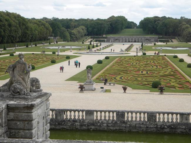 Chateau de la Vicomte park