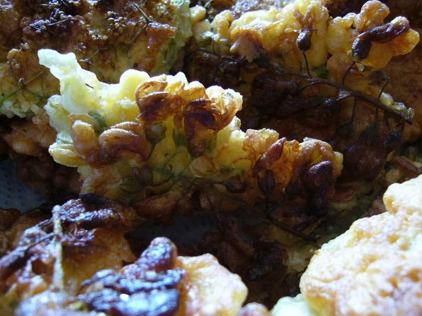 akácvirág palacsintatésztában