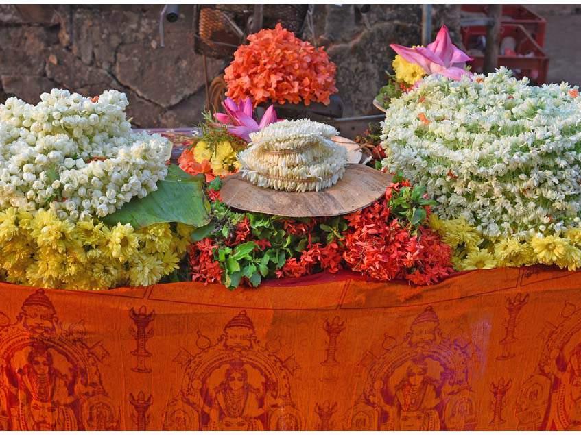 krosszandra templomi virágdekoráció