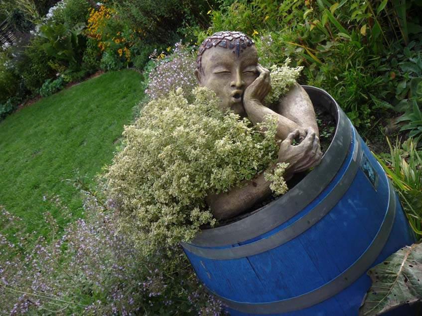 művészi kerti dekoráció