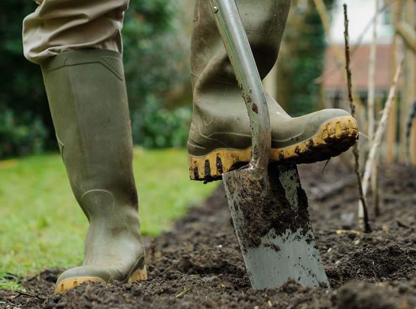 talaj felásása